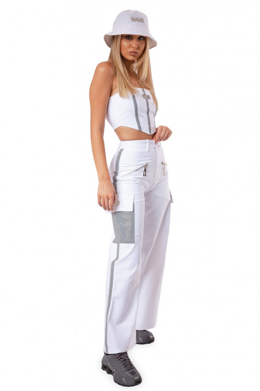 WHITE BAGGY PANTS WITH POCKETS AND REFLECTIVE DETAILS