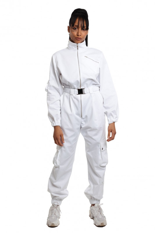 Cargo white jumpsuit with utilitary pockets